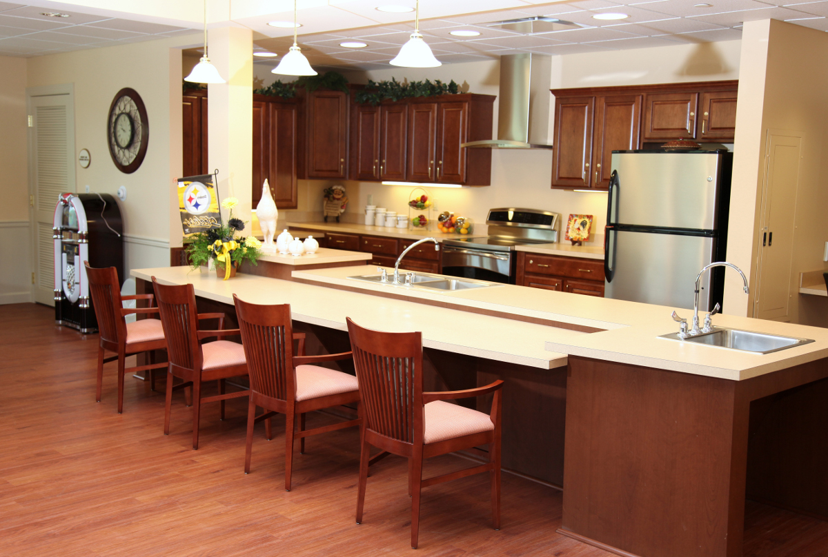 OVGH Kitchen Counter, Barstools